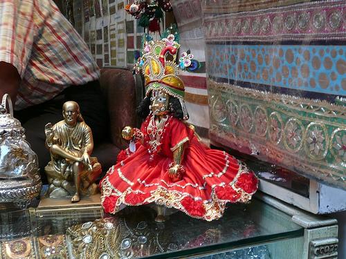 бронзовые фигуры Дели