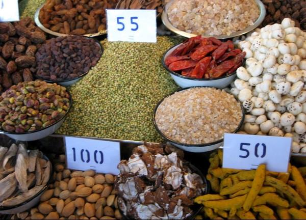 Что купить в Дели — Вишну или сари?