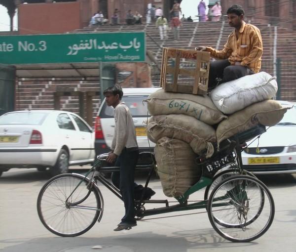 Как сэкономить на авибилетах в Дели