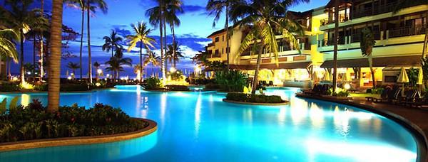 Отели Пхукета с собственным пляжем Merlin Hotel